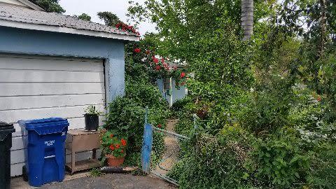 anita's house in reseda