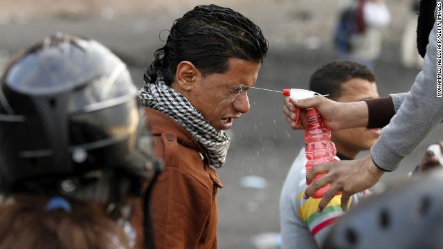 Tahrir Square, TEAR GAS